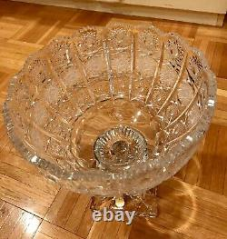 BOHEMIAN CZECH CRYSTAL QUEEN LACE HAND CUT 11x9.5 VASE