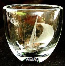 KOSTA ART GLASS SAILBOAT VASE WHEEL CUT w GREEN BOTTOM VICKE LINDSTRAND