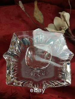 NEW NIB FLAWLESS Exceptional BACCARAT Art Glass Crystal BOUQUET Cut BUD VASE